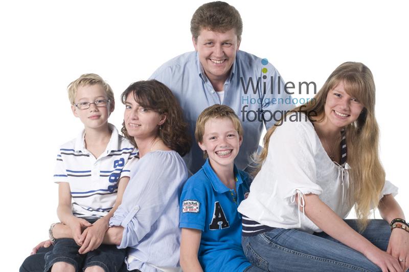 familieportret fotoshoot gezin familieportretten Willem Hoogendoorn Fotografie Woerden portretfotograaf