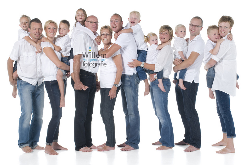 familieportret fotoshoot gezin Willem Hoogendoorn Fotografie Woerden portretfotograaf