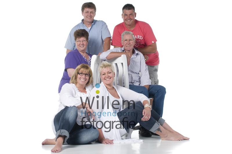 familieportret fotoshoot opa en oma kleinkinderen hippe familieportretten Willem Hoogendoorn Fotografie Woerden portretfotograaf