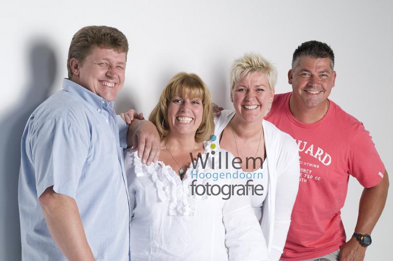 familieportret broers en zussen jubileum groepsfoto groepsportret Willem Hoogendoorn Fotografie Woerden