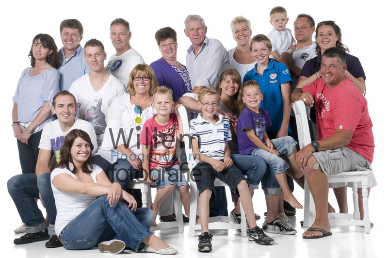 familieportret fotoshoot opa en oma kleinkinderen hippe familieportretten Willem Hoogendoorn Fotografie Woerden portretfotograaf