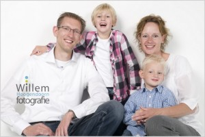 familieportret spontane portretten fotograaf Woerden Willem Hoogendoorn Fotografie