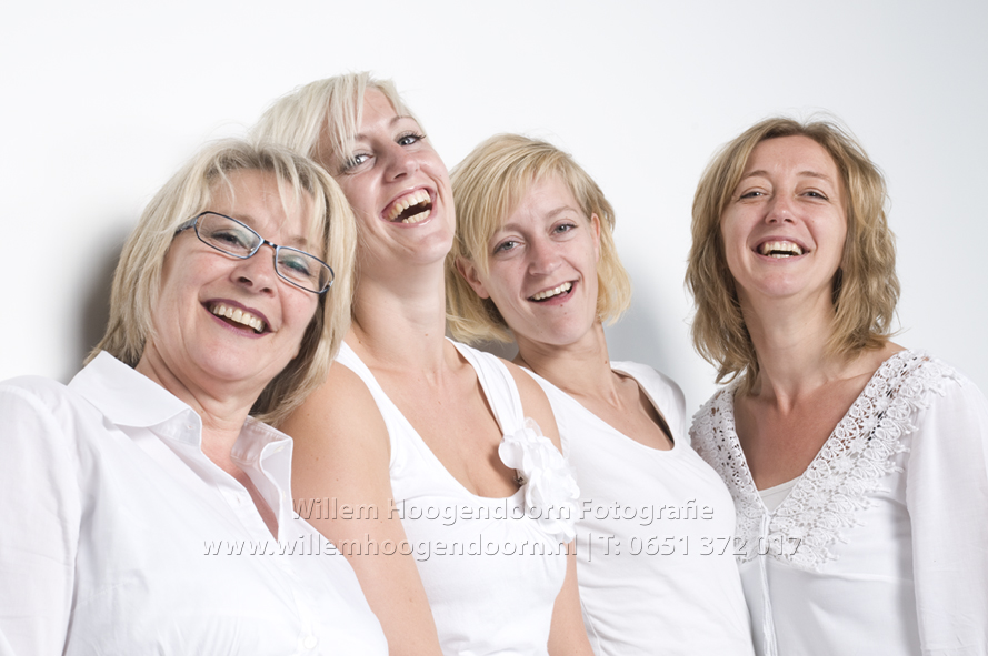 familiefotografie familieportret groepsfoto groepsportret moeder dochters